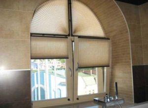 как выбрать рулонные шторы на нестандартные окна