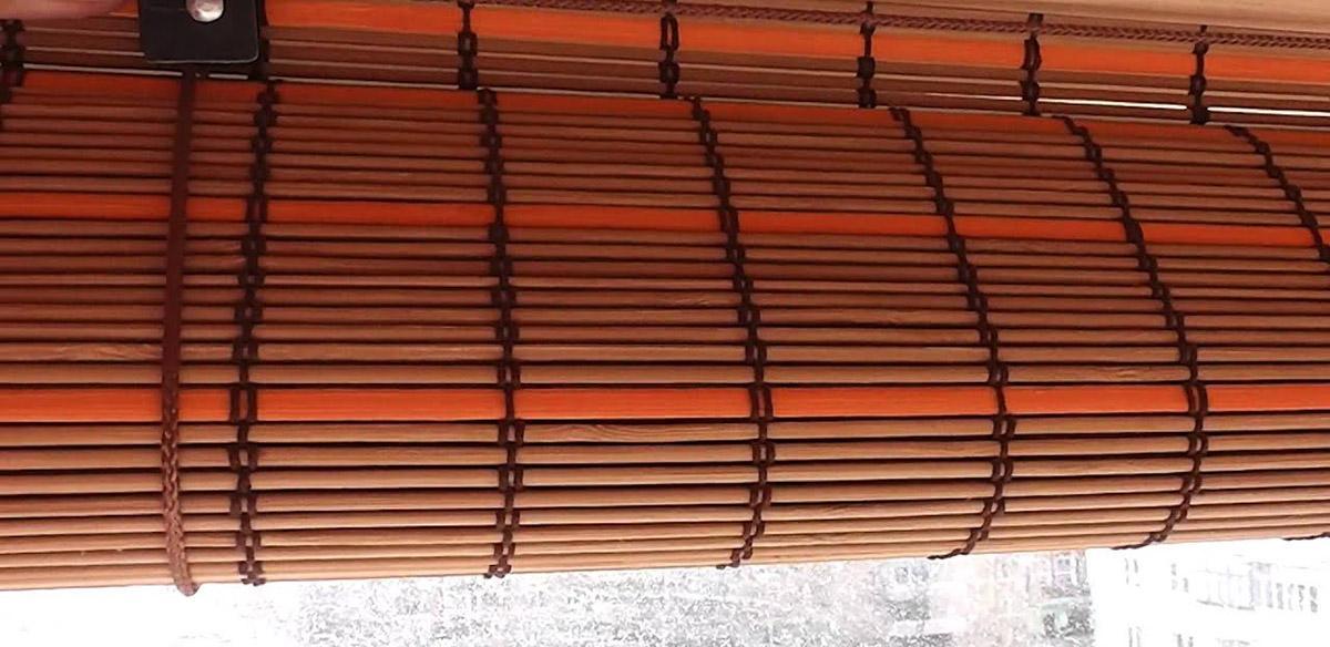 Рулонные шторы из бамбука в сложенном виде