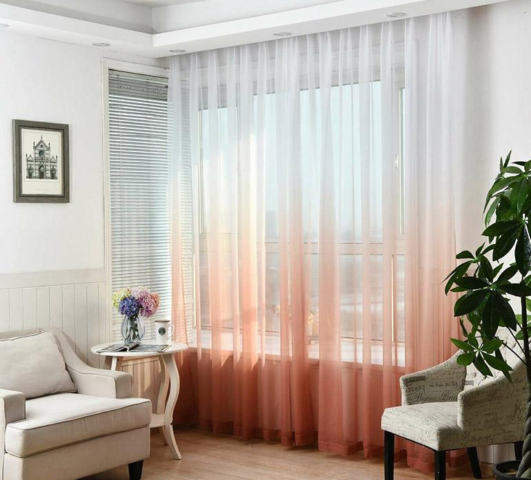Особенности штор из вуали для зала