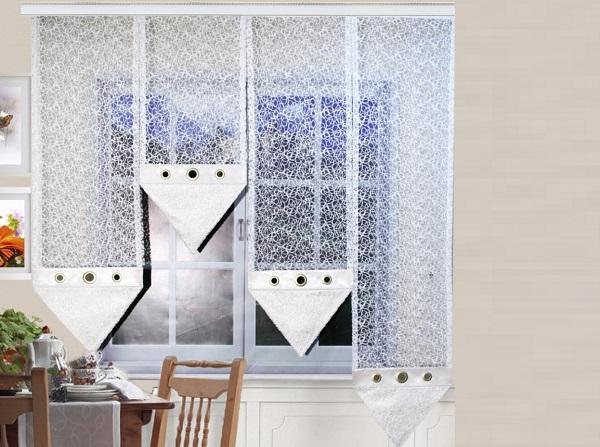 Тюль паутинка на кухонном окне-2