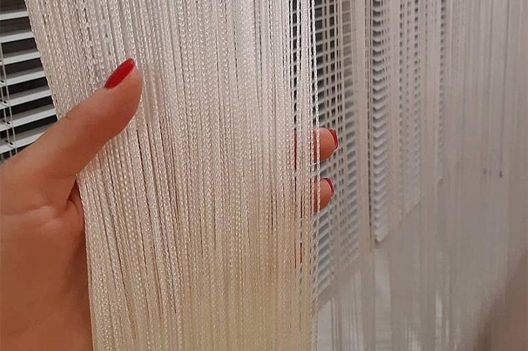 Распутать нитяные шторы