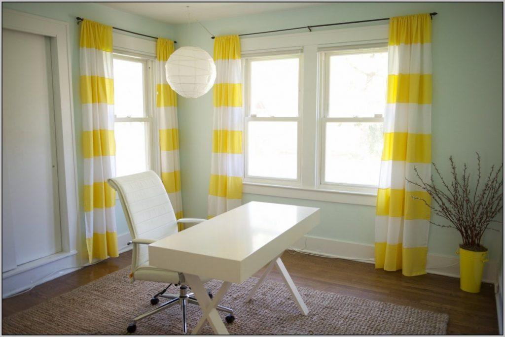 Желтые шторы с белым цветом