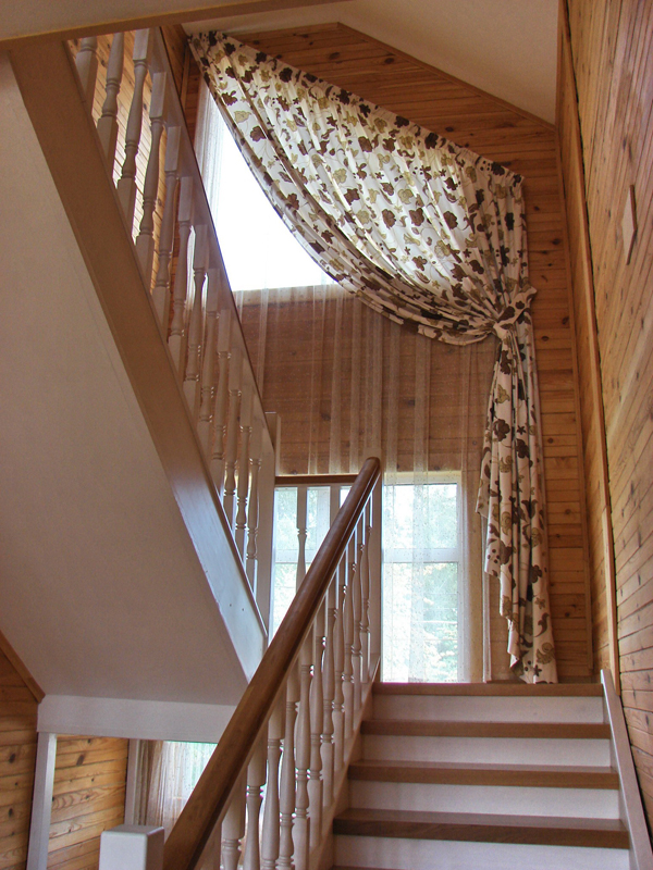 На лестнице