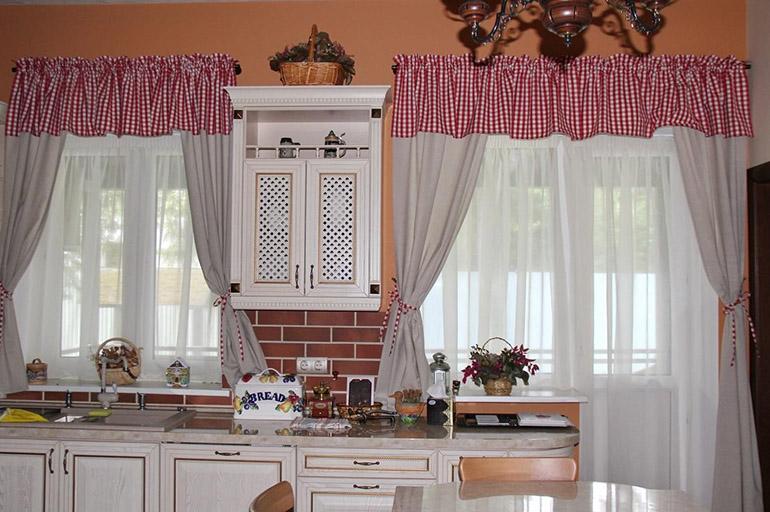 Шторки на кухню
